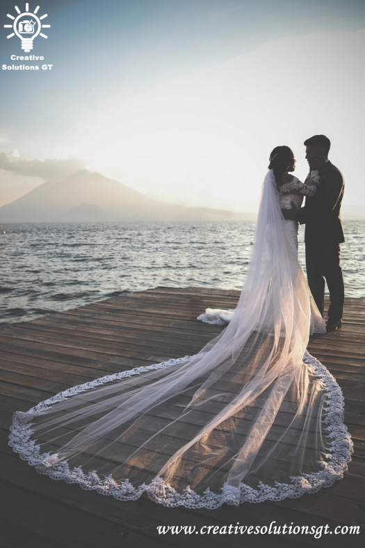 wedding photographer in atitlan guatemala